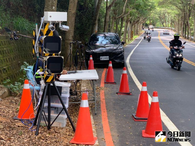▲彰化縣環保局啟用噪音自動偵測照相系統,針對民眾陳情最多的縣道139等重點路段透過科技執法加強取締噪音車。(圖/記者陳雅芳攝)