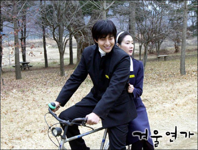 ▲▼裴勇俊(左)、崔智友因《冬季戀歌》躍升為一線韓流巨星。(圖/《冬季戀歌》劇照)