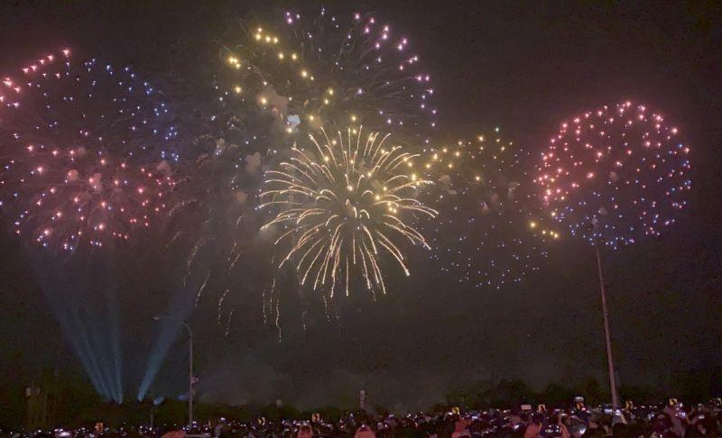 ▲國慶焰火在33分鐘完成施放2萬7千發焰火。(圖/記者陳聖璋攝,2020.10.10)