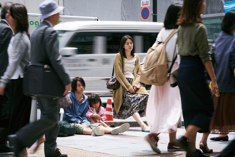 ▲▼片中,長澤雅美(上圖右,下圖中)與不同男生發生關係。(圖/Netflix)