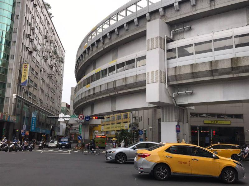 ▲中和景平路擁有4座捷運站點,受購屋族青睞。(圖/NOWnews資料照片)