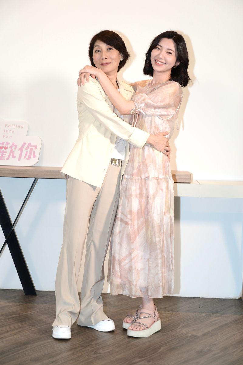 ▲郎祖筠(左)表示郭雪芙演技有明顯進步。(圖