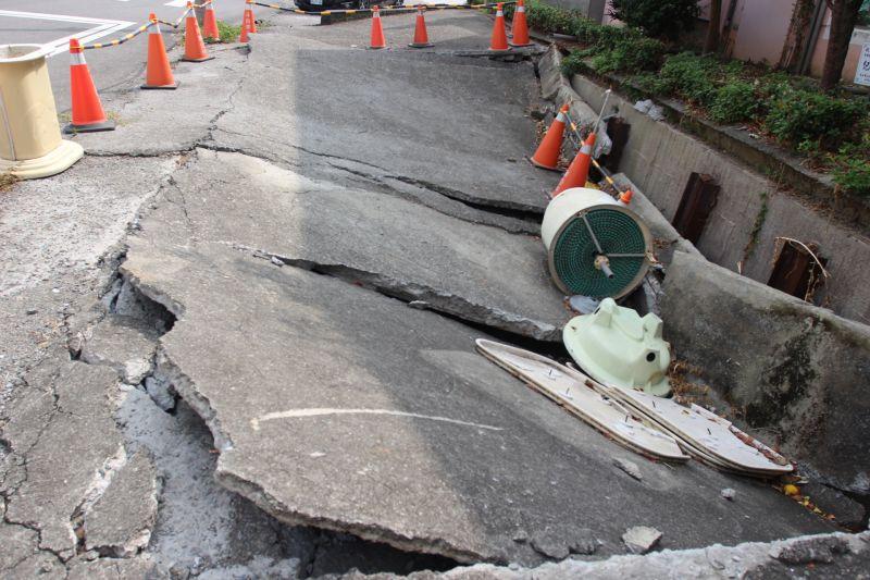 水利溝渠私自加蓋坍塌 協調權責歸屬延宕修護