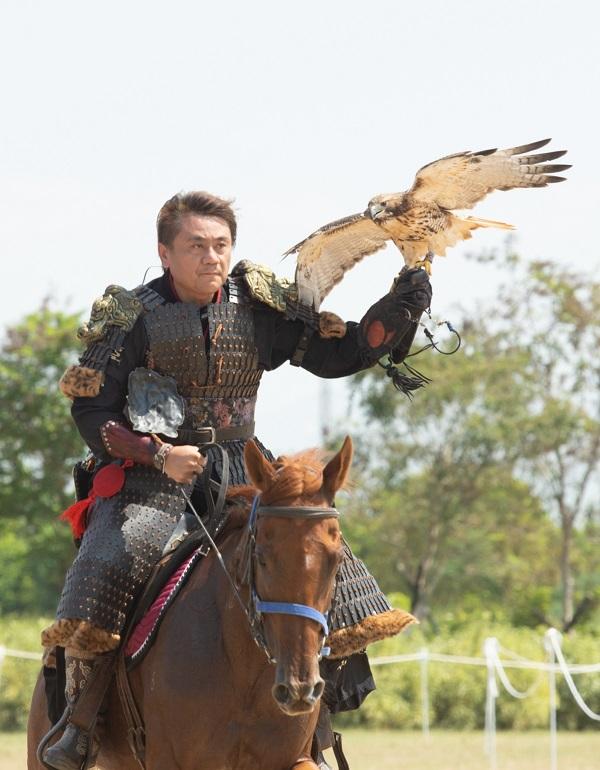 ▲蒙古賽馬園內馳騁、馴鷹、騎射、摔角等國人難得一見的熱血競技。(圖/故宮南院提供)