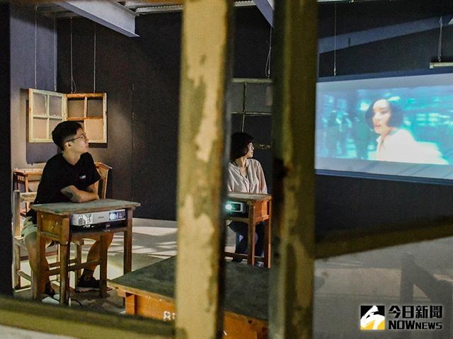 駁二「寄生: X檔案」機械、錄像與光 打造戰慄科幻空間
