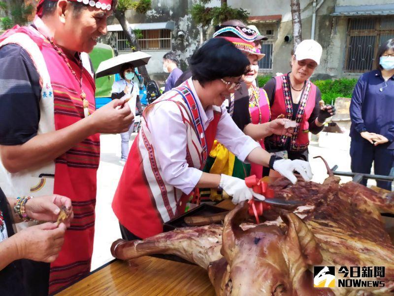 ▲原民美食中,烤山豬是必不可少的。(圖/記者葉靜美攝,2020.10.16)