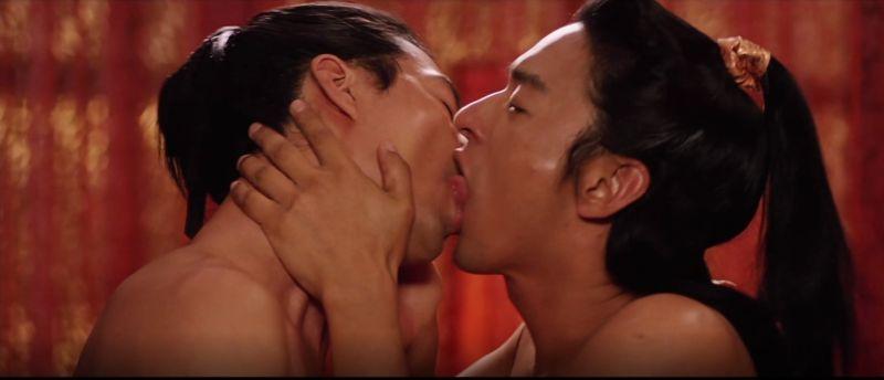 男神趙寅成、朱鎮模激吻3分鐘 「一刀未剪」嚇呆觀眾