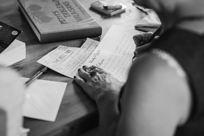 ▲交往前收警告信?200字內容曝光,女嚇傻崩潰求助。(示意圖/翻攝自《pixabay》)