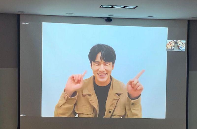 影/韓國演員首次入圍金馬獎 以「手語」向台灣觀眾問好