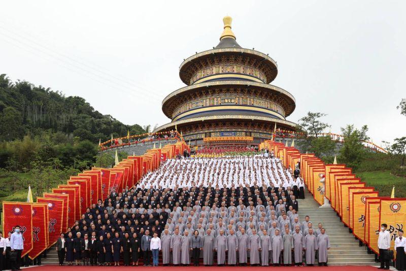 投注20多年「白陽聖廟」啟用 蔡英文:促進祥和社會