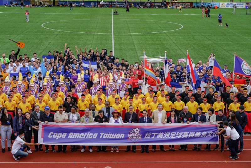 足球外交!13國球員共襄盛舉 拉美足球賽在輔大開踢