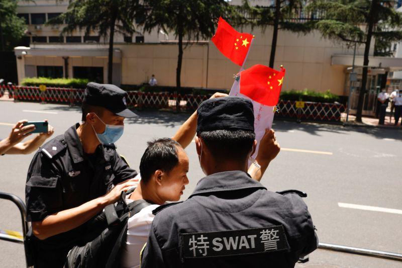 解放軍學者被起訴 中國威脅「報復」拘留境內美國公民