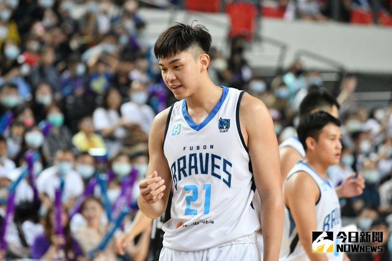 P聯盟/<b>曾祥鈞</b>砍20分15籃板 富邦成熱身賽唯一2連勝球隊