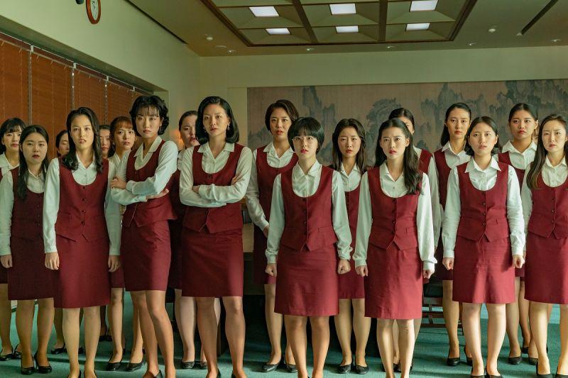 ▲女職員們勇敢槓上公司。(圖/車庫娛樂)