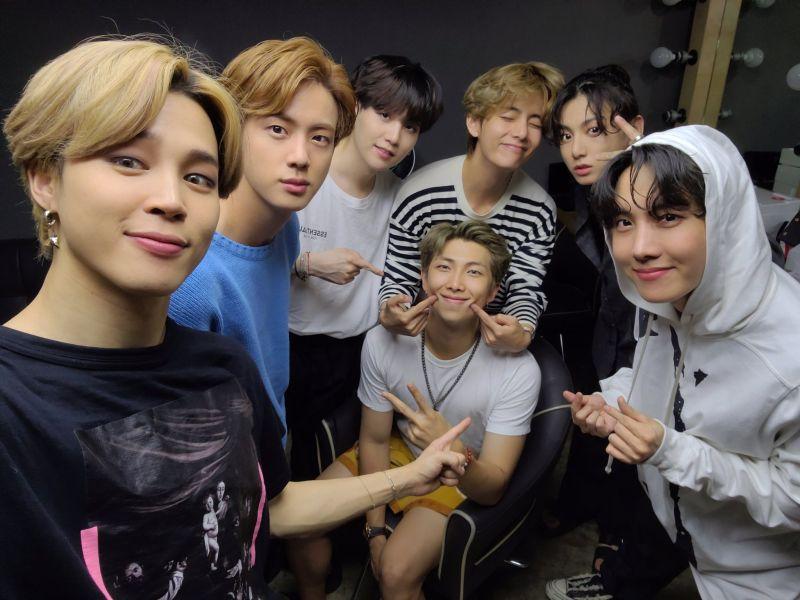 ▲以BTS出道故事結合《花樣年華》系列改編的韓劇《YOUTH》,預計明年播出。(圖/BTS