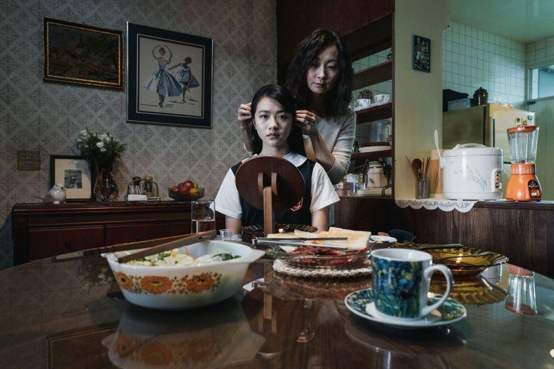▲鄭家榆飾演「學妹」李玲葦的控制狂母親。(圖 / 公視提供)