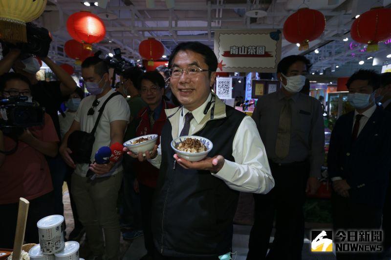 黃偉哲「侵門踏戶」叫陣肉燥飯 陳其邁:不是大聲就好吃