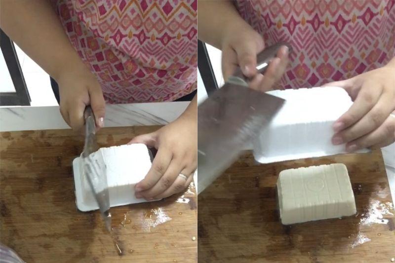 ▲主要是在底部刺一個洞,讓空氣跑進去,豆腐就會滑下來了。(圖/翻攝自《我愛全聯-好物老實説》