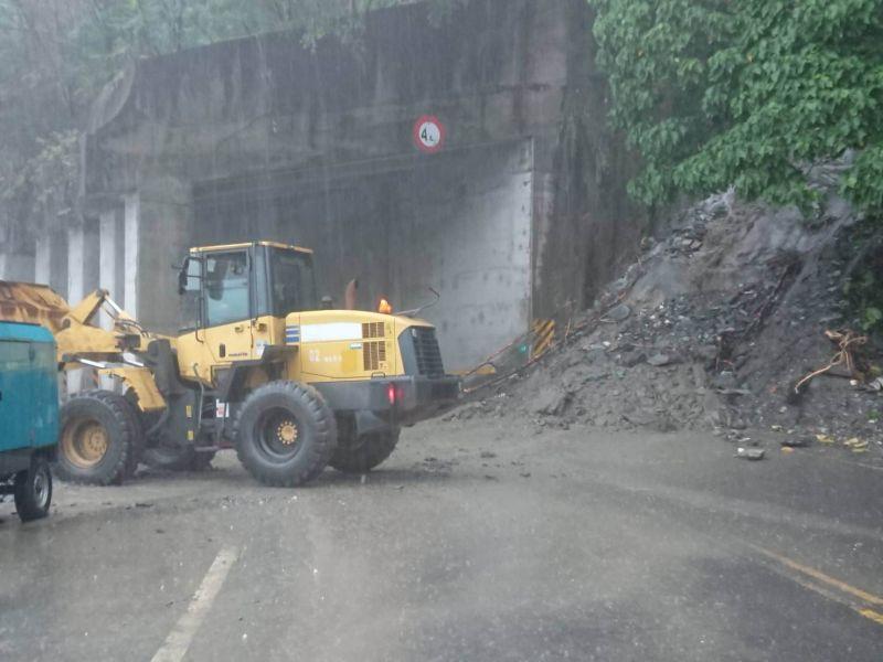 台九丁線(蘇花公路)39.5公里觀音路段,今(21)日上午10時多又發生邊坡坍方
