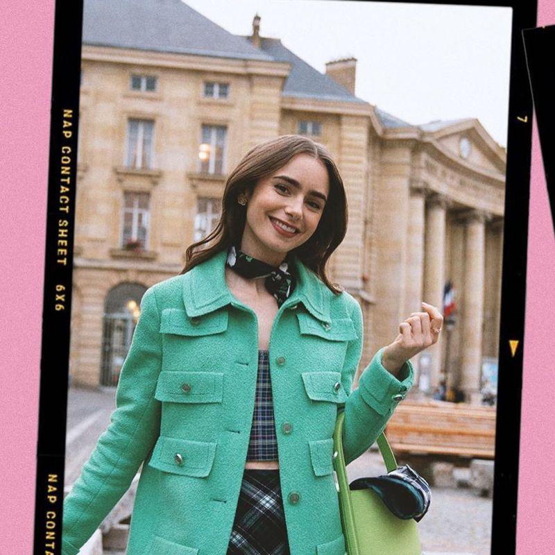 ▲艾蜜莉在巴黎觀光。(圖/《艾蜜莉在巴黎》官方IG)