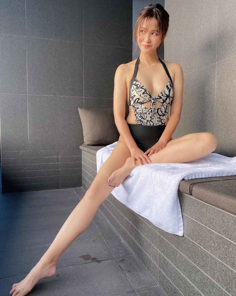 ▲吳怡霈一口氣釋出7張泳裝照。(圖/吳怡霈IG)
