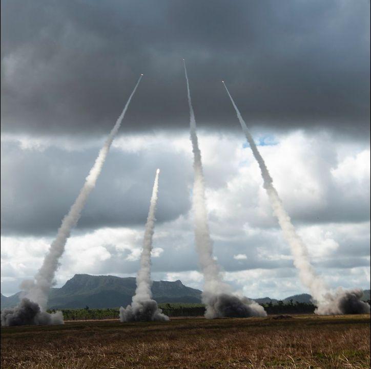 ▲M142海馬士多管火箭系統(HIMARS)發射。(圖/美國空軍)