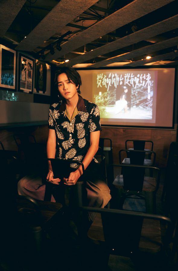 ▲許含光在新歌《安森Girl》MV,與女主角有激情演出。(圖/好多音樂提供)