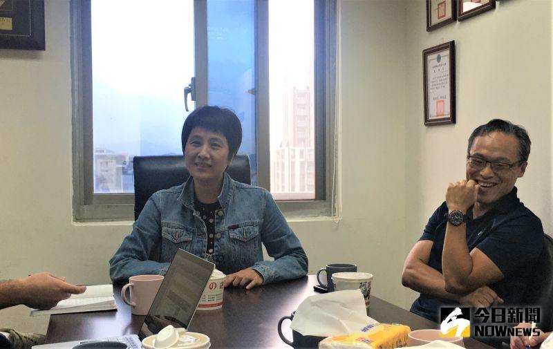 ▲高中體總秘書長朱彩鳳(左)表示,今年已將HBL高中籃球甲級聯賽電視轉播和網路轉播分開。。(圖/鍾東穎攝