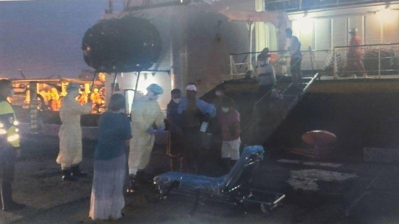 吐瓦魯籍貨船在高雄港外海<b>沉沒</b> 5名船員獲救5名失蹤