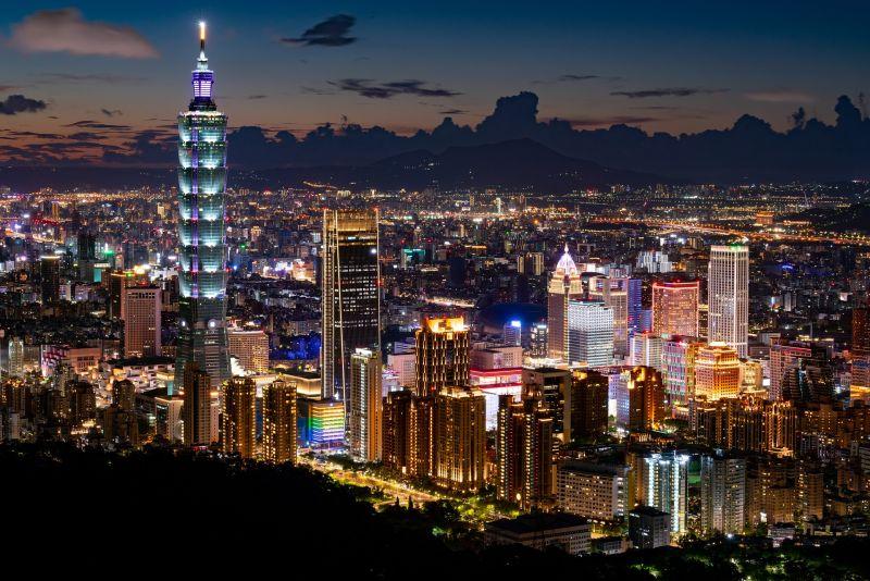 ▲有名女網友在PTT以「住過台灣治安最不好的地方是哪裡」為題發問,貼文一出,眾人全點「這區」。(示意圖/取自 pixabay )