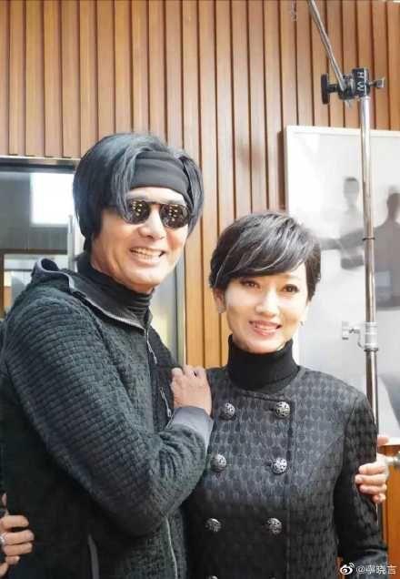 ▲▼周潤發(左)、趙雅芝相隔40年合影。(圖/寧曉言微博)