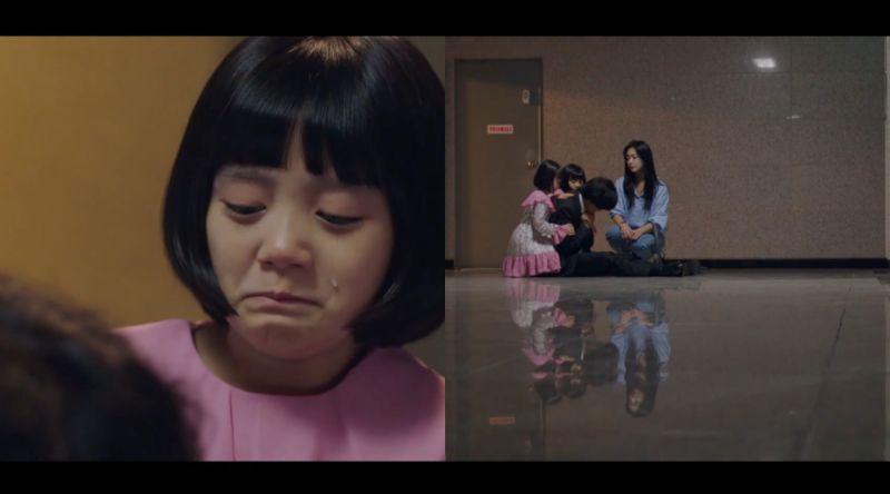 ▲劇中,小女孩死因真相大白,父親悲傷不已。(圖/翻攝愛奇藝)