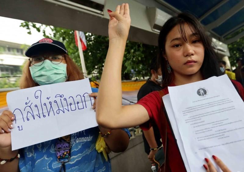 <b>泰國示威</b>這群人最早到場!學生佩服:封你「CIA」
