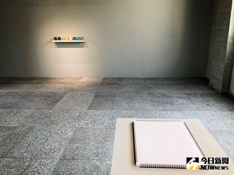 ▲賴志盛以「繞梁Linger」為題,於金馬賓館內進行用「空間寫生」運動。(圖/記者陳美嘉攝,2020.10.27)