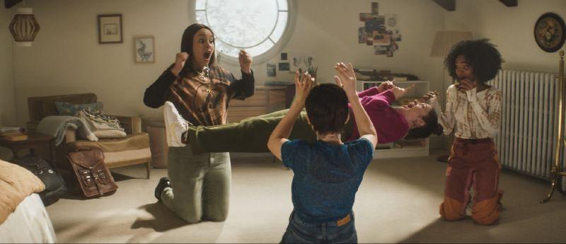 ▲▼《入魔》劇情描述4位遭受霸凌的女孩,意外獲得魔法。(圖/索尼影業)