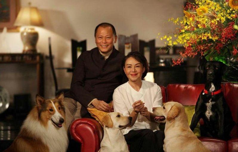 ▲張毅(左)與妻子楊惠姍。(圖/楊惠姍提供)