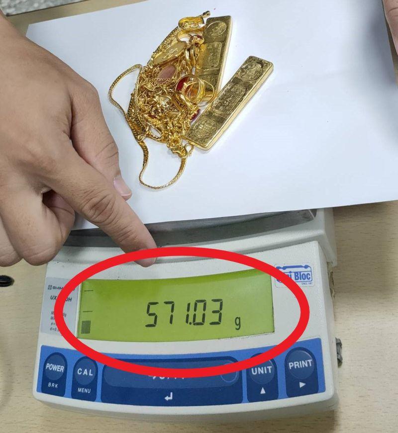 百萬黃金失蹤18年 台南清潔隊員拾「金」不昧