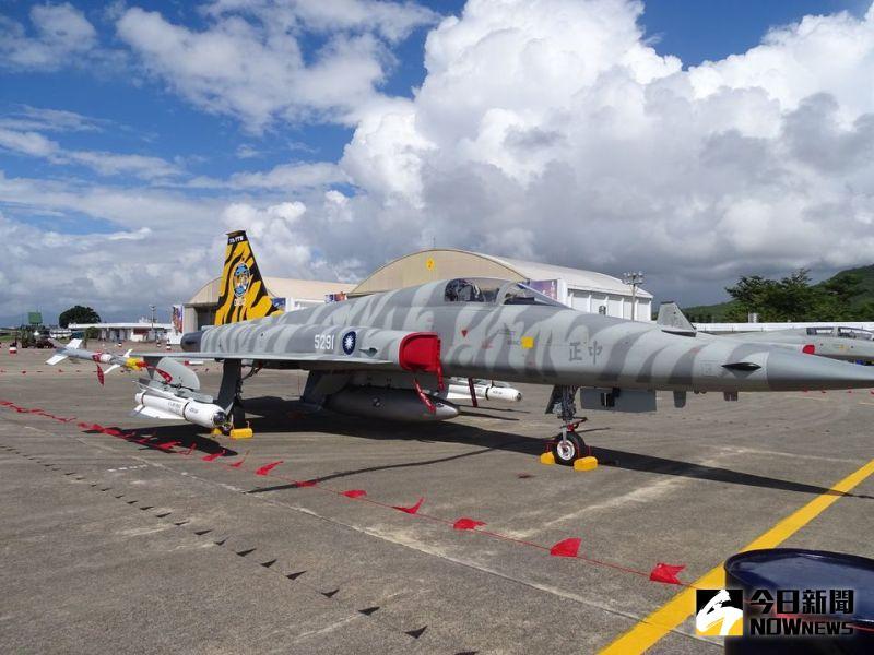 勇鷹機延交機F-5被迫繼續飛!空軍:飛行時數未超出規範