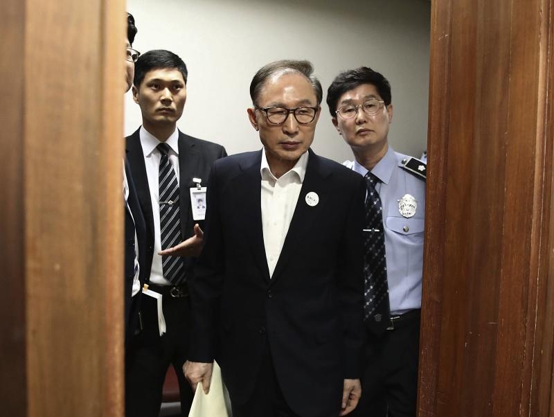 南韓<b>前總統</b>李明博涉貪終審出爐!維持判刑17年 恐再入獄
