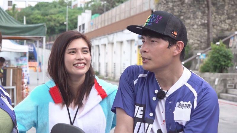 ▲夏宇童(左)、孫協志同台放閃。(圖/中視提供)