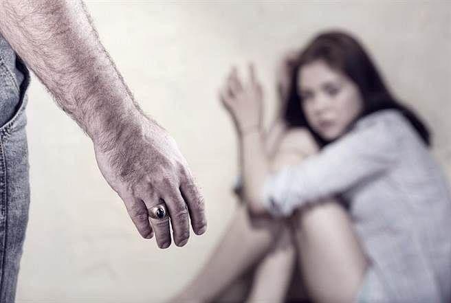▲新北市高職出現狼師,性侵女學生後還酸言相對,遭到解職判刑。(圖/Pixabay)