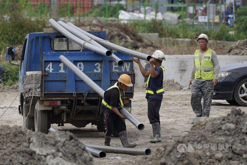 勞保費率調高 110年元旦起調高至11.5%