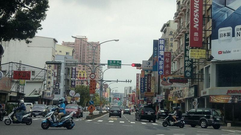 ▲台南市東區電梯大樓房貸額度10年前不到300萬元。(圖/NOWnews資料照片)