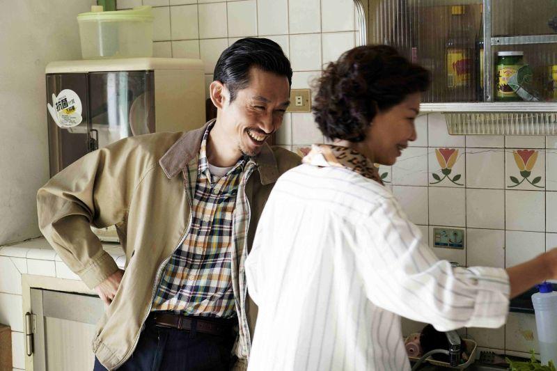 ▲于子育與陳竹昇(左)飾演夫妻。(圖