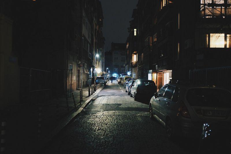 ▲暗巷。(示意圖,與文章中內容無關/取自