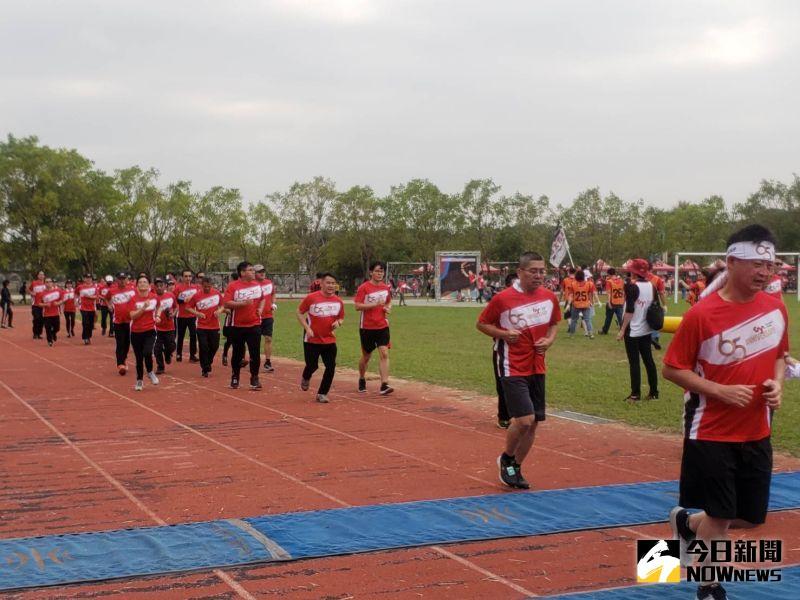 大亞集團舉辦公益馬拉松 回饋地方捐贈關廟國中30萬元