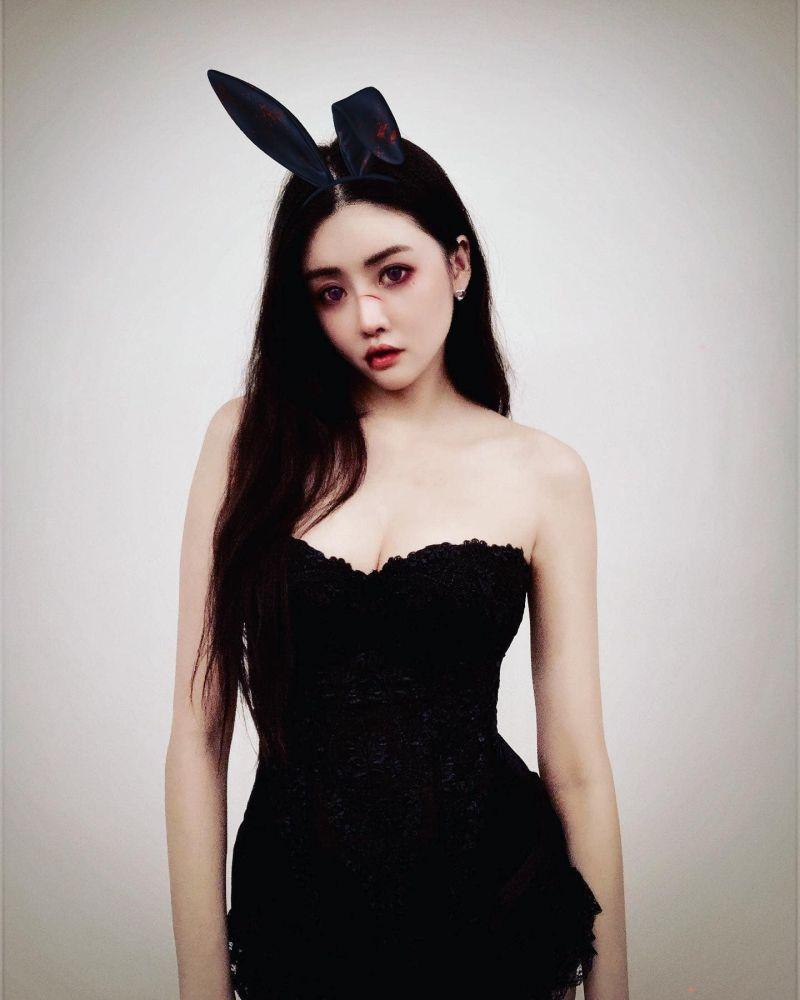 ▲賴琳恩萬聖節扮兔女郎。(圖/賴琳恩臉書)