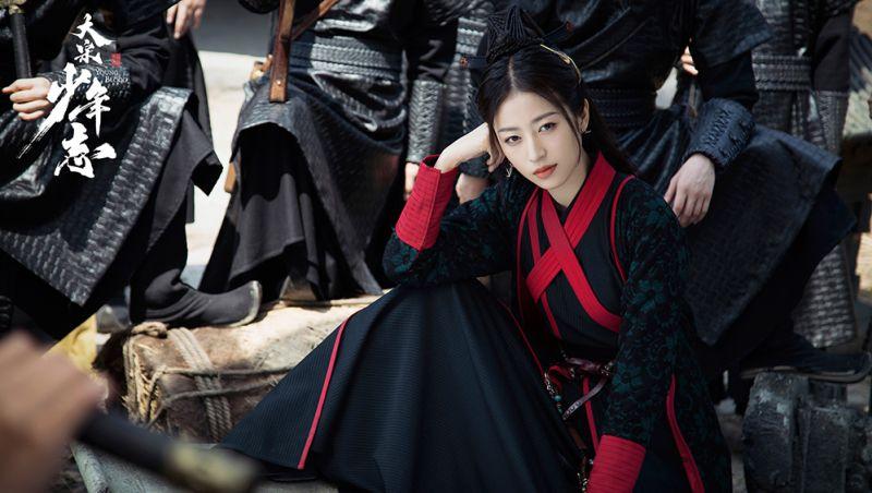 ▲周雨彤飾演女主角「趙簡」。(圖