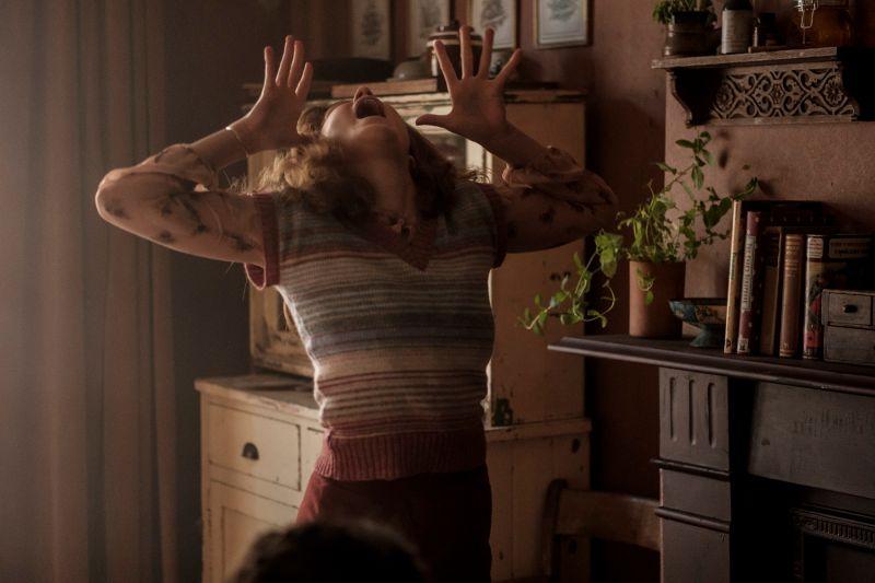 影/女星拍戲拍到中邪!這間屋子「被時間冷凍」怪怪的