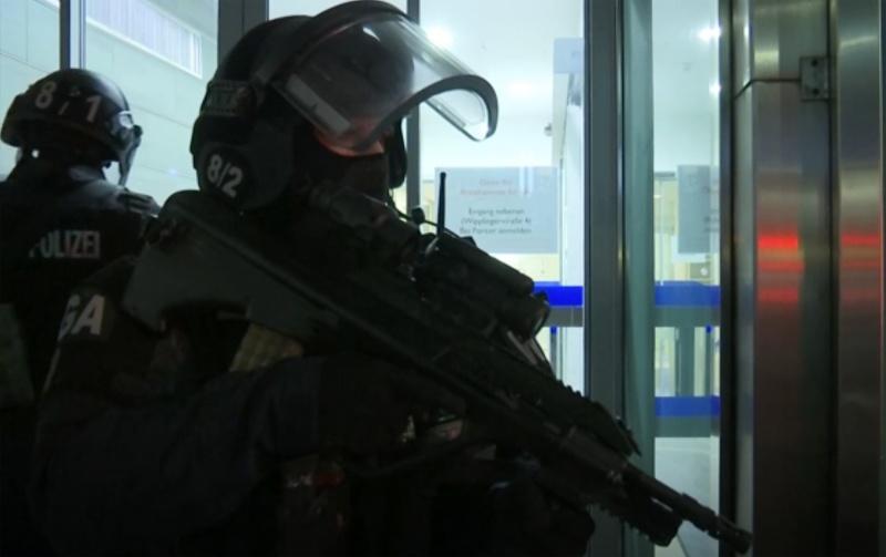 維也納驚傳恐攻!槍手街頭狂掃 慘釀2死15傷